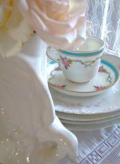 Cabin & Cottage, etc.: Teacups & Roses