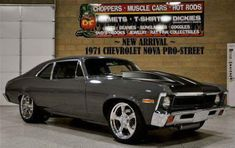 Old school muscle car 1971 Chevy Nova Muscle Cars Vintage, Old Muscle Cars, Chevy Muscle Cars, American Muscle Cars, Vintage Cars, Chevrolet Nova, Chevy Nova, Chevrolet Malibu, Choppers