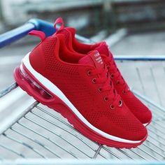 White Platform Sneakers, Basket A Talon, Baskets, Sneaker Heels, Shoes Sneakers, Ladies Sneakers, Chunky Sneakers, Ladies Shoes, Wedge Shoes