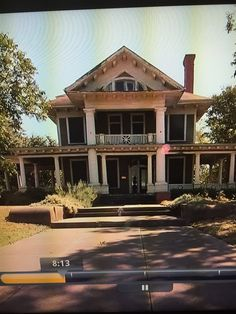Love this house. Would of loved to see it get some TLC. Season 2 of FIxer Upper for layout. Magnolia Farms, France, Victorian Homes, Beautiful Homes, Beautiful Things, Fixer Upper, Old Houses, My Dream Home, Future House