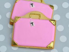 Pretty Pink Suitcase Cookies | Tessa | Flickr Pink Suitcase, Pink Luggage, Galletas Cookies, Sugar Cookies, Mickey Mouse Cake, Paris Birthday, Birthday Cookies, Cookie Decorating, Macarons
