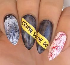 There are three kinds of fake nails which all come from the family of plastics. Acrylic nails are a liquid and powder mix. They are mixed in front of you and then they are brushed onto your nails and shaped. These nails are air dried. Cute Halloween Nails, Halloween Acrylic Nails, Halloween Nail Designs, Holloween Nails, Halloween Halloween, Halloween Makeup, Halloween Movies, Halloween Decorations, Halloween Costumes