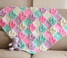 Babies need to be heated and loved and you can fill those needs with a handmade heart shaped blanket. Crochet Bobble Stitch Baby blankets usually take less time to make than a standard-size blanket, making it a Point Granny Au Crochet, Crochet Heart Blanket, Bobble Crochet, Crochet Stitches Free, Baby Afghan Crochet, Crochet Blanket Patterns, Free Crochet, Baby Afghans, Crochet Blankets