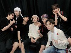 gambar bts, jin, and suga Jungkook V, Kim Namjoon, Bts Bangtan Boy, Seokjin, Taehyung, Foto Bts, Bts Photo, Jung Hoseok, K Pop