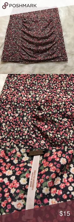 """Free people stretch floral mini skirt Free people stretch floral mini skirt. Label reads size medium but measures more like a small. Waist 14"""" across, length 16"""" Free People Skirts Mini"""