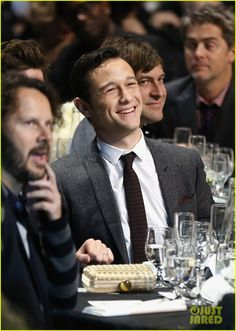 Celeb Diary: Joseph Gordon-Levitt @ 2013 Critics' Choice Awards