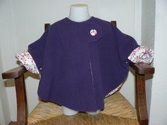 poncho-photo Cape Bebe, Capes & Ponchos, Diy Clothes, Kids Fashion, Cold Shoulder Dress, Tunic Tops, Tees, Coat, Jackets