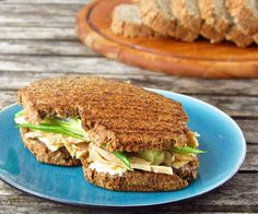 """Ben's Low-Carb """"Rye"""" Bread and his amazing experience with very low-carb diets!"""