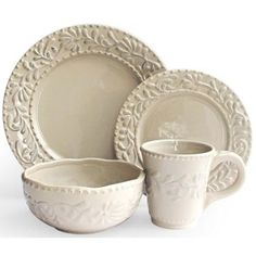 Check out this item at One Kings Lane! 16-Pc Bianca Leaf Dinnerware Set, Gray
