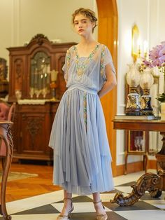 Pretty Dresses, Blue Dresses, Vintage Dresses, Casual Dresses, Vintage Outfits, Vintage Hats, Vogue, Moda Do Momento, 1920s Outfits