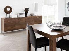 Μπουφές Τραπεζαρίας Δαπέδου Χαμηλός Μοντέρνος OCCA-299440 του Δανέζικου Οίκου BO CONCEPT σε σχέδιο BoConcept Design Team από ξύλο καρυδιάς ή ξύλο δρυός με μαύρη επίχρωση ή λευκή λάκα (#002134)
