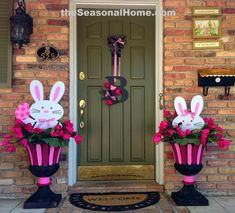 3 different looks with 2 bunnies for Easter from www.TheSeasonalHome.com.  This is idea #3 - an Easter/Spring decoration for the front door, including a very unique wreath idea!  Details on website.