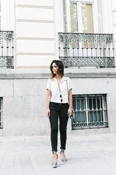 Serie_700_Levis-Ladies_In_Levis-Khaki_Jeans-Striped_Shirt-Espadrilles-Chloe_Bag-15