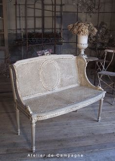 Banquette Louis XVI, would love one of these in my dining room Cane Furniture, French Furniture, Painted Furniture, Furniture Design, French Interior, French Decor, French Country Decorating, Interior Design, French Sofa