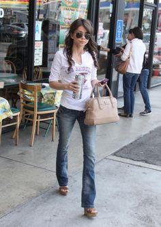 Sarah Hyland street style!!! <3 it!