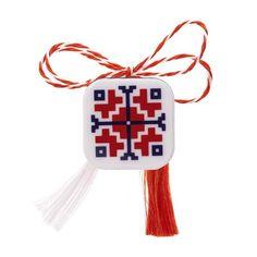 "Broșă mărțișor tip pin ""Motive tradiționale"" Baba Marta, Diy And Crafts, Christmas Ornaments, Holiday Decor, Stud Earrings, Christmas Jewelry, Christmas Decorations, Christmas Decor"