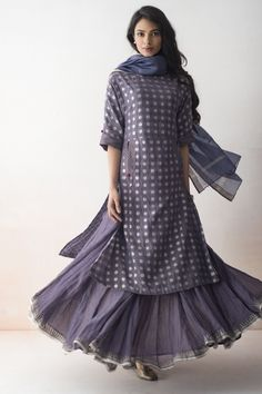 ZAIRA Handwoven Banarasi silhouettes in light styles for summer, accented with delicate embroidery.