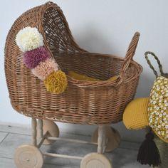 5c53955c7d ...  zabawki  pokójdziecka  dladziecka  dladziewczynki  handmade   rękodzieło  pompon  baby  decor  design  wicker  nakółkach  4kółka   artyferia  dladzieci