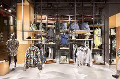 PUMA's black label stores by Plajer & Franz Studio, Bejing – China and Osaka – Japan Shop Interior Design, Retail Design, Visual Merchandising, Bejing China, Clothing Store Design, Retail Fixtures, Usa Store, Accessories Display, Design Furniture