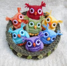 Nesting Rainbow Owls from mojimojidesign.com