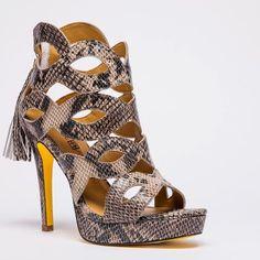 @BAmbitionShoes #Helena #SS13 #Snakeprint @InPRessLA #showroom #Shoeroom #Sales #PR Art the Shoe Guy @ArtAbenoza @InPRessNY