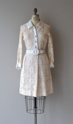 Vintage 1960s Samuel Grossman dress of pale peach and white lace and white linen-cotton blend. Button bodice with collar, fabric buttons, wide
