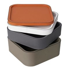 Lovely trays handcrafted in Italy, made of calf leather, scratch and waterproof, stackable. Leather Tray, Calf Leather, Box Packaging, Packaging Design, Dvd Storage Solutions, Cd Dvd Storage, Leather Diy Crafts, Small Tray, Silver Trays
