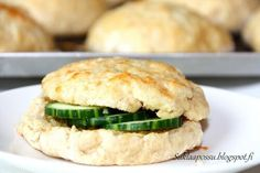 Salmon Burgers, Bread Recipes, Sandwiches, Food And Drink, Baking, Ethnic Recipes, Henna, Drinks, Drinking