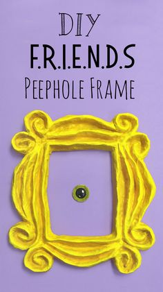 DIY Friends Peephole Frame — Doodle and Stitch,DIY Friends peephole frame craft tutorial. Diy Crafts Tv, Diy And Crafts Sewing, Frame Crafts, Diy Frame, Crafts For Kids, Friends Tv Show Gifts, Friends Apartment, House Party Decorations, Holiday Decorations