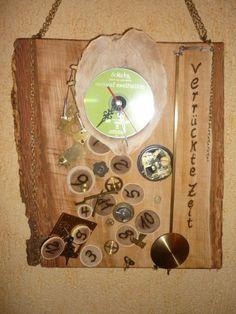 """Urige Uhr....eine alte Uhr wurde """"ausgeschlachtet"""" eine neue funktionsfähige Uhr wurde kreiert. Von Annegret Lindhorst bei DaWanda.com"""