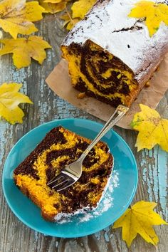 Marble chocolate pumpkin cake with oranges. Simply Recipes, Fall Recipes, Sweet Recipes, Cookie Desserts, Dessert Recipes, Marble Chocolate, Chocolate Pumpkin Cake, Muffins, Healthy Sweets