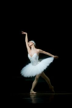 Jurgita Dronina - Principal Dancer the Dutch National ballet in Swan Lake - Photo by Angela Sterling