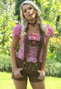 Did you know lederhosen could be this sexy? German Girls, German Women, Octoberfest Girls, Classy Women, Sexy Women, Estilo Cowgirl, Oktoberfest Outfit, Beer Girl, Dirndl Dress