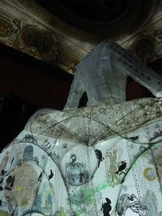 la robe lanterne elaboree by Echo Morgan for the cabinet of curiosities in the Enchanted Palace of Kensington