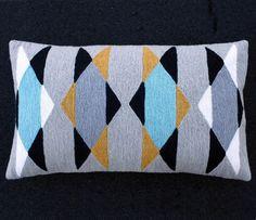 80's pillow // great geometric design #designinspiration