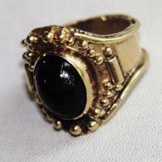 Anillo de oro rústico #escuelajoyeriacdc #joyeriachilena #instachile #instasantiago #ring #anillo #orfebreschilenas #hechoenchile #madeinchile #joyeria #jewelry