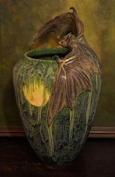 Freiwald Art Pottery BAT vase amphora jugendstil nouveau symbolist secession