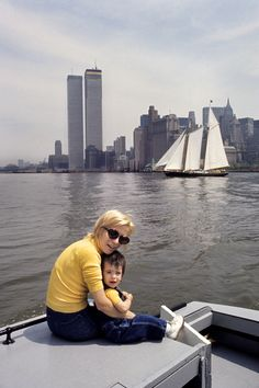 New York, 1972. Eliane with daughter Stephanie visting the World Trade Center. http://loeildelaphotographie.com/en/2017/09/04/article/159963560/jean-pierre-laffont-new-york-up-and-down/?utm_source=Liste+ODLP+nouvelle+version&utm_campaign=7de4dd7439-EMAIL_CAMPAIGN_2017_09_03&utm_medium=email&utm_term=0_27b3627ade-7de4dd7439-181595037