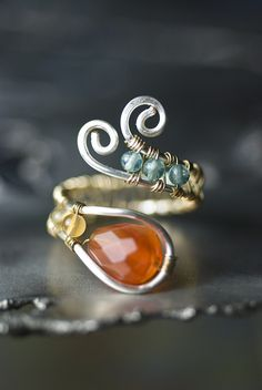 simple bead & wire ring #handmade #jewelry #ring #wire_wrapping #beading #DIY #craft  cute idea for inspiration