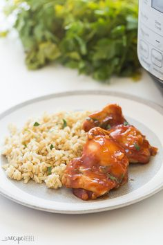 These Instant Pot Chicken Thighs are an easy, healthy dinner made right in your electric pressure cooker! Add your own sauces and seasonings or bbq sauce. Quickly and easily cook chicken thighs in your Instant Pot from FRESH or FROZEN -- no need to thaw! Lemon Garlic Chicken Thighs, Crockpot Chicken Thighs, Instant Pot Frozen Chicken Thighs Recipe, Pressure Cooker Chicken Thighs, Healthy Chicken Thigh Recipes, Healthy Food Delivery, Dinner Dishes, Dinner Recipes, Pressure Cooker Recipes