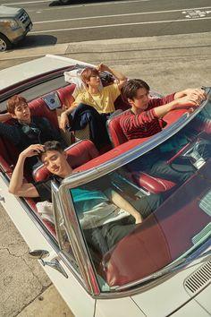 EXO present; gift EXO photobook 'PRESENT; It's like a souvenir from Hawaii that came to EXO on a schedule! Meet various photos of EXO through photobook! Exo Xiumin, Exo Chen, Exo Ot12, Kpop Exo, Chanbaek, Kaisoo, K Pop, Exo Album, Exo Lockscreen