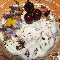 Summer cake with beer marinated sweet cherries. Summer Cakes, Sweet Cherries, Panna Cotta, Cherry, Pudding, Beer, Ethnic Recipes, Desserts, Food