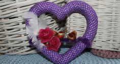 Sydänkranssi sydänystävälle 4th Of July Wreath, Burlap Wreath, Wreaths, Home Decor, Decoration Home, Door Wreaths, Room Decor, Burlap Garland, Deco Mesh Wreaths