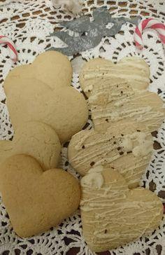 Iloinen juustokakku: Gluteenittomat vaaleat piparkakut