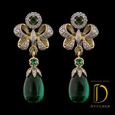 "Jewelry House Dulber Emeralds in earrings ""E . Bow Jewelry, Jewelry Design Earrings, Indian Jewelry, Jewelery, Fine Jewelry, Jewelry Art, Diamond Earrings Indian, Traditional Earrings, Bling"