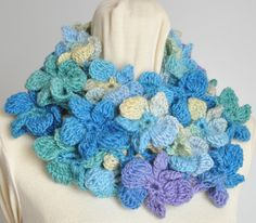 Floral infini Blue Crochet Multicolor fleur 3D par jennysunny Chauffe,  Infini, Laine, Fleurs 1adf157ab44
