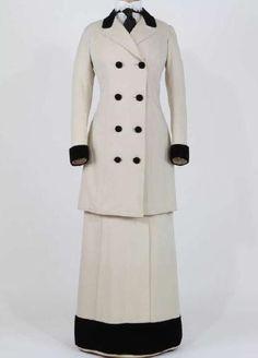 Walking suit. Italian manufacture. Rome, Fondazione Tirelli Trappetti. Around 1912.