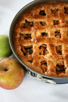 My Worldwide Culinary Adventure: Dutch apple pie for my blogs 1st anniversery!