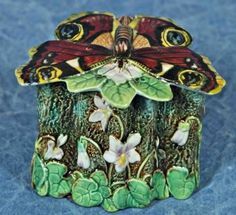 George Jones Majolica Box, Butterfly | Majolica International Society image from the Karmason Library.