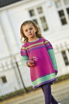 1001: Modell 19 Tunika med puffermer #strikk #knit #sisu